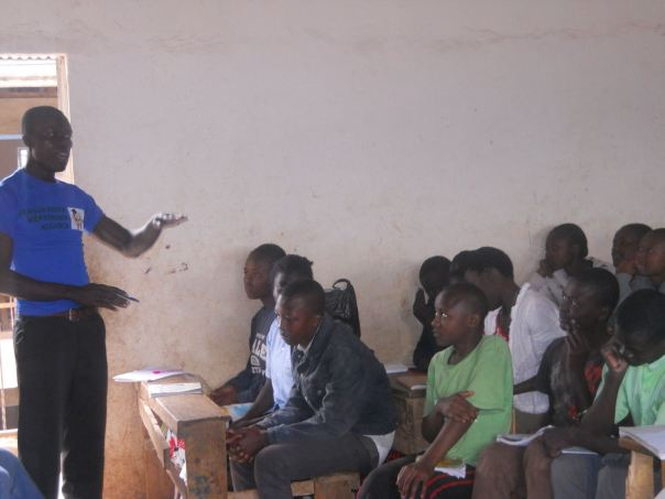 SAMUEL OYOO of PAKEMA, during mentorship session.  He is the coordinator  for the PAKEMA organisation.
